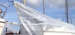 Bache armee pour protection bateau